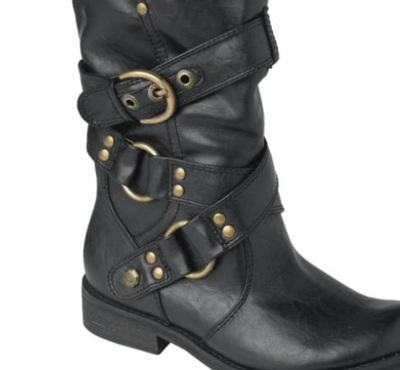 Buty z klamrami