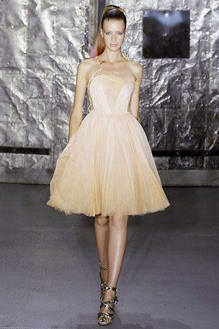 Britney Spears na okładce w sukience Rodarte