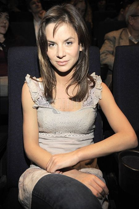 Natalia Lesz i jej torebka LV