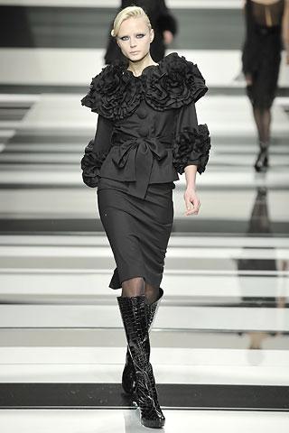 Dita Von Teese jak czarny pudel