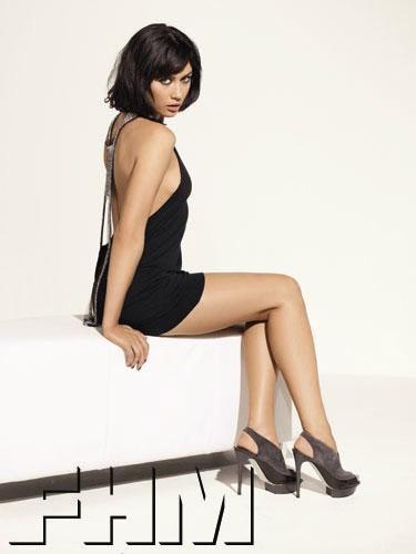 Dziewczyna Bonda dla FHM   <br />
