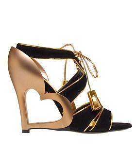 Złote buciki od Marca Jacobsa