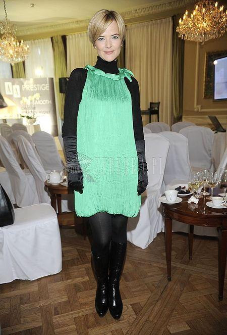 Monika Richardson w zielonym worze