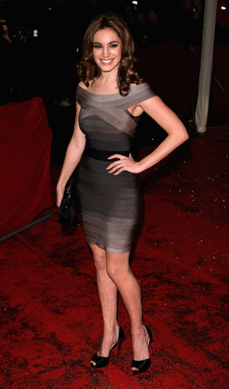 Kelly Brook w sukience Hervé Léger