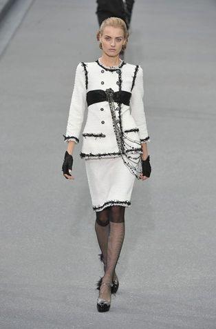 Penelope Cruz w kostiumie Chanel