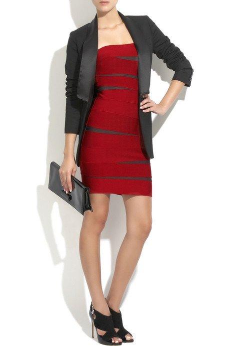 Czerwona sukienka od Herve Leger
