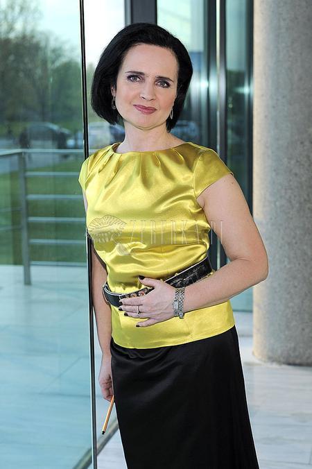 Jolanta Fajkowska na żółto