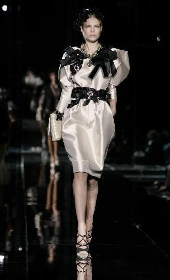 Estelle w Dolce&Gabbana