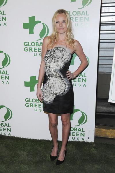 """Kate Bosworth – taka """"mała czarna"""" robi wrażenie."""