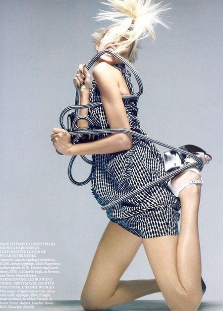 Anja Rubik w sesji dla Vogue'a
