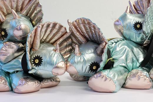 Triceratops od Gilesa Deacona