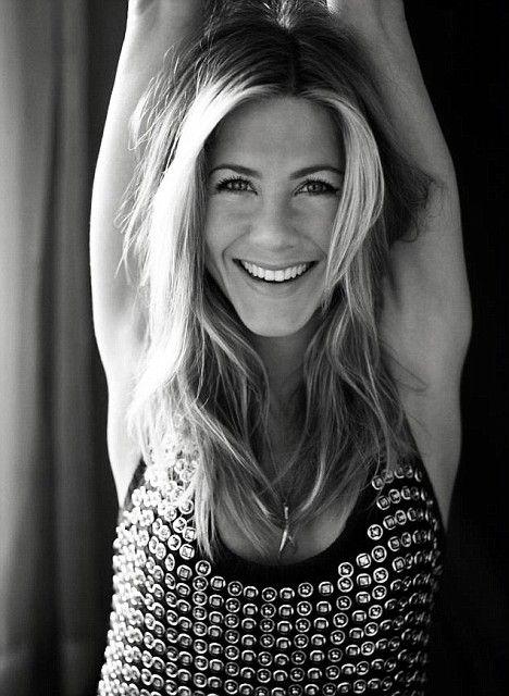 Zrelaksowana Jennifer Aniston dla Elle