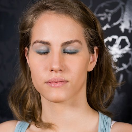 Makijaż wiosenny krok po kroku