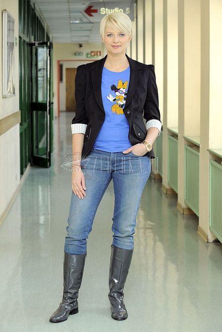 Odeta Figurska w koszulce z Myszką Minnie