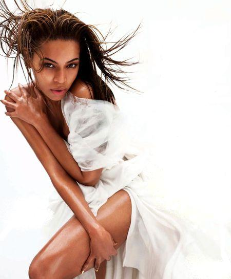 Więcej wysmarowanej oliwką Beyonce