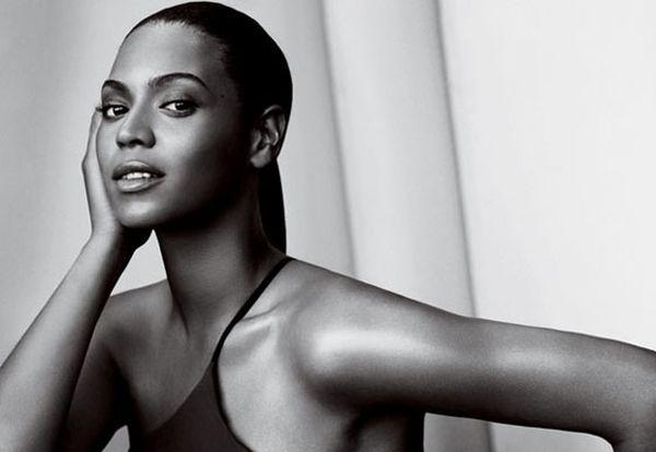Beyonce we włoskim i amerykańskim Vogue'u