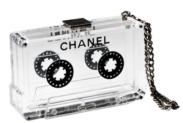ELLE.ru - Клатч Chanel Casette Clutch, туфли, сумки, украшения ручной...