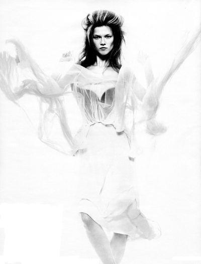 Kasia Struss dla niemieckiego Vogue'a