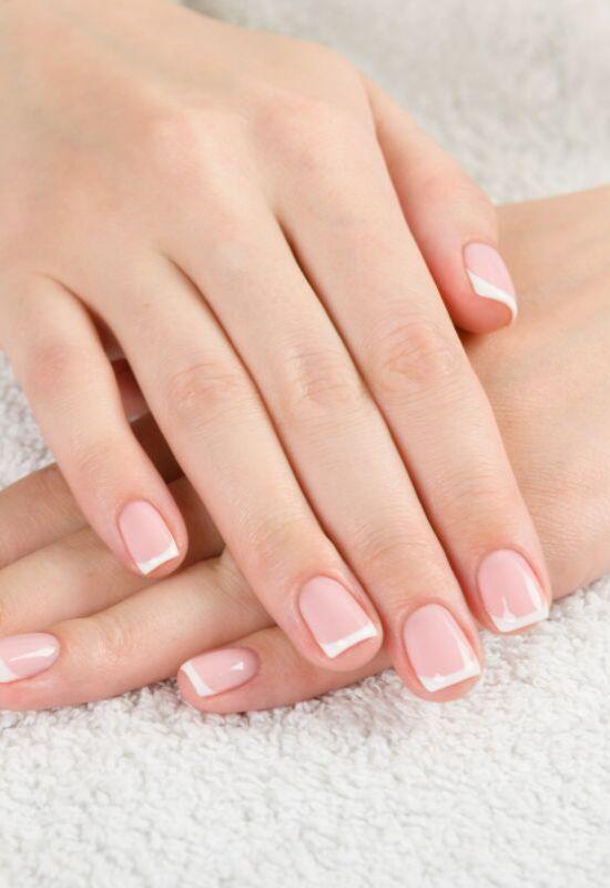 Historia francuskiego manicure. Odkrycie, które zmieniło świat piękna