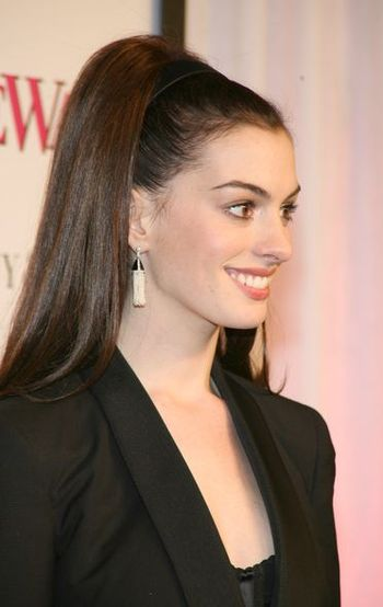 Anne Hathaway po męsku
