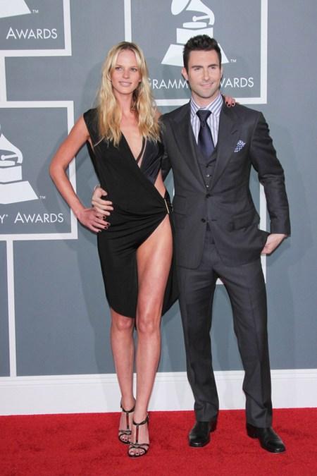 Adam Levine Anne V. Gwiazdy na gali Grammy
