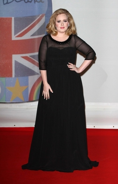Kreacje na Brit Awards 2012 (FOTO)/Adele