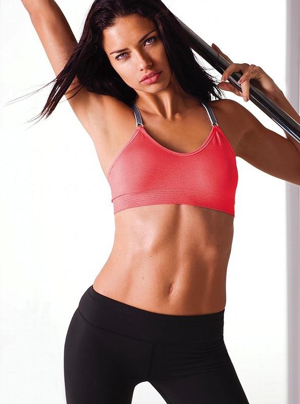 Adriana Lima w kampanii Victoria's Secret Sexy Sport
