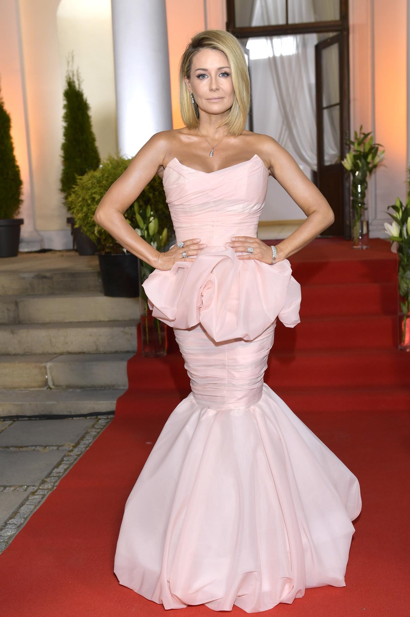 Małgorzata Rozenek ma różowe włosy. Wybrała też bardzo oryginalną fryzurę