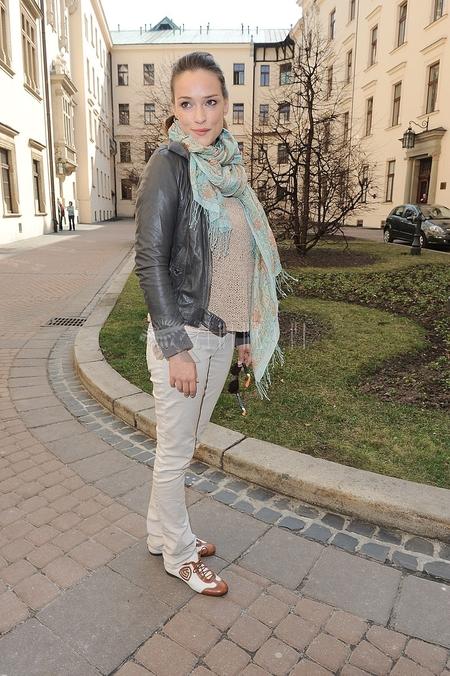 Alicja Bachleda-Curuś na luzie (FOTO)
