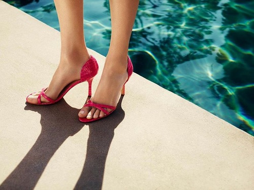 Isabeli Fontana w wiosennym katalogu Ann Taylor