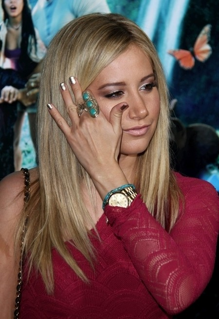 Ashley Tisdale w koronkach od Nightcap (FOTO)