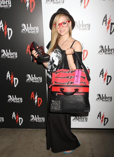 Avril Lavigne w ubraniach z własnej kolekcji (FOTO)