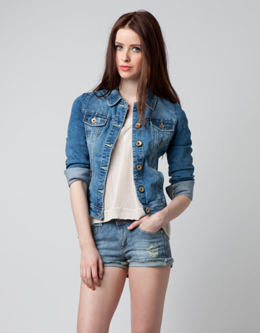 Gwiazdy pokochały jeansowe kurtki i koszule (FOTO)