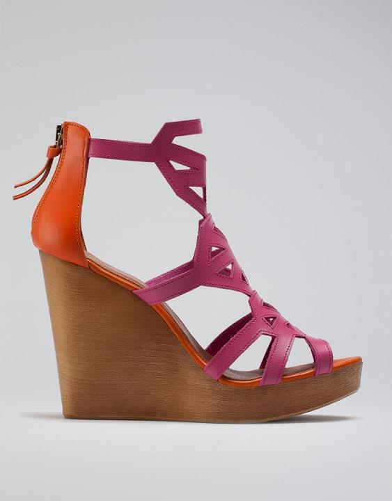 Buty z wiosenno-letniej oferty Bershki