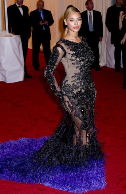 Beyonce w Givenchy, Rihanna w Tom Ford (FOTO)