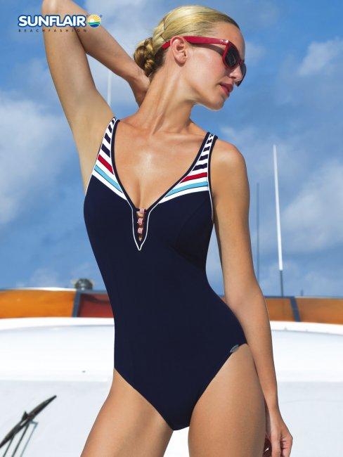 Kostiumy kąpielowe w stylu marynarskim (FOTO)
