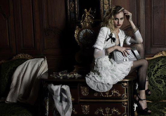 Kontrowersyjna Alice Dellal w kampanii Chanel Boy