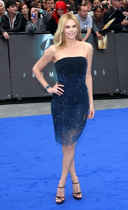 Charlize Theron w Christian Dior Couture (FOTO)