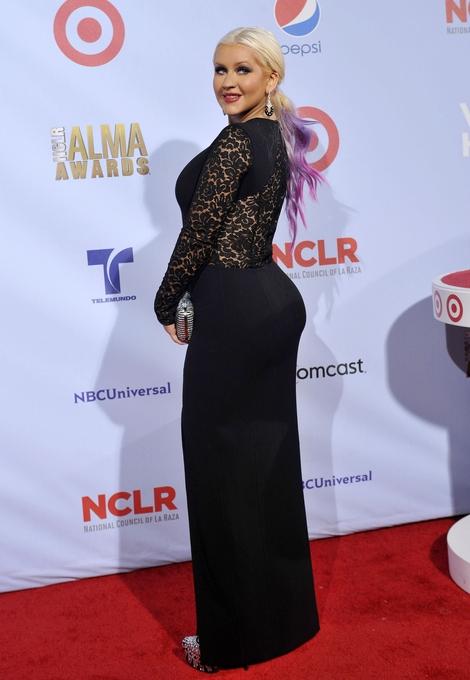 Christina Aguilera w sukni Michaela Korsa (FOTO)