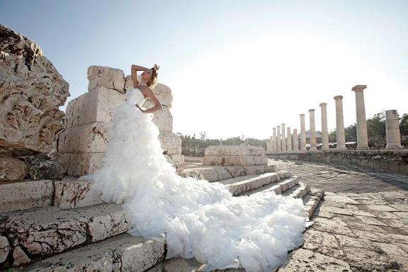 Suknie ślubne Dany Mizrachi na rok 2012