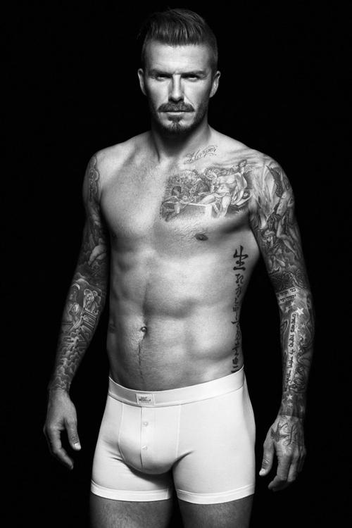 Półnagi David Beckham ponownie dla H&M (FOTO)