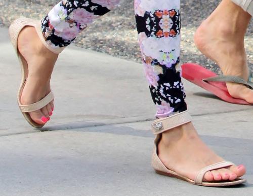 Kolorowe legginsy Diane Kruger (FOTO)