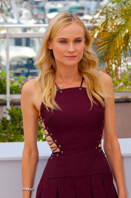 Diane Kruger w kusej sukience Versus (FOTO)