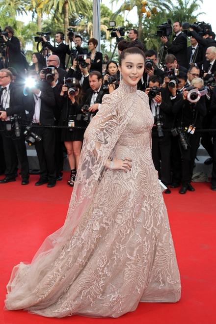 Fan Bing Bing błyszczy w Cannes (FOTO)