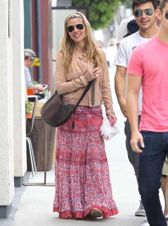 Młoda mama kocha styl hippie (FOTO)