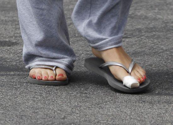 Mila Kunis zrzuca zbędne kilogramy (FOTO)