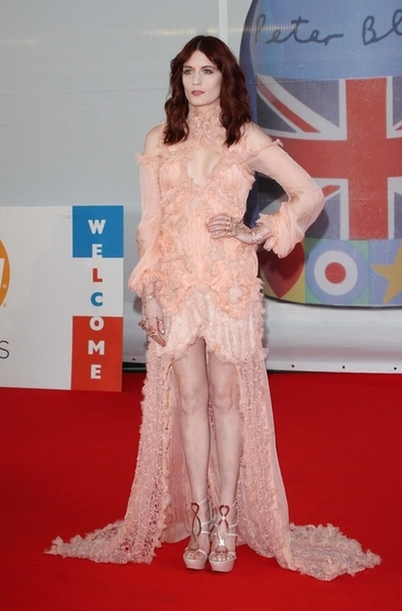 Kreacje na Brit Awards 2012 (FOTO)/ Florence Welch