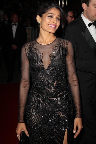 Freida Pinto w Versace (FOTO)