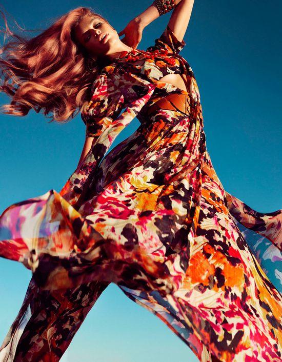 Bajecznie kolorowa kolekcja marki Guess (FOTO+VIDEO)