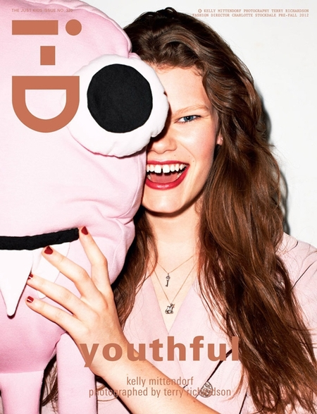 Młode modelki na okładkach i-D Magazine (FOTO)
